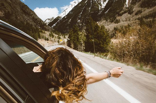 voiture en montagne