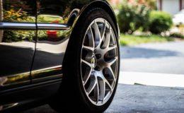 meche sur pneu voiture