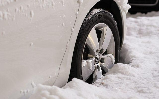 pneu dans la neige